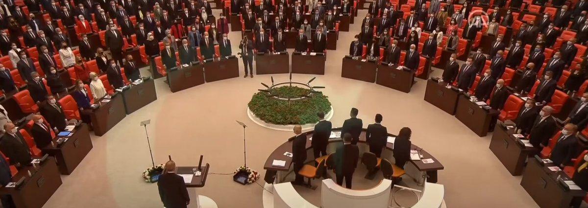 HDP, Meclis te İstiklal Marşı na eşlik etmedi #1
