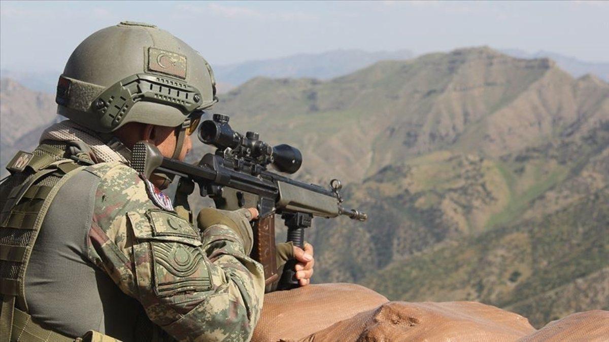 İçişleri Bakanlığı: Bitlis'te 4 terörist silahlarıyla etkisiz hale getirildi