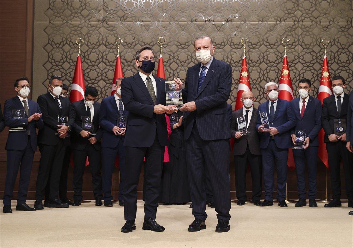 İletişim Başkanı Fahrettin Altun a Yılın İletişim Ödülü #1