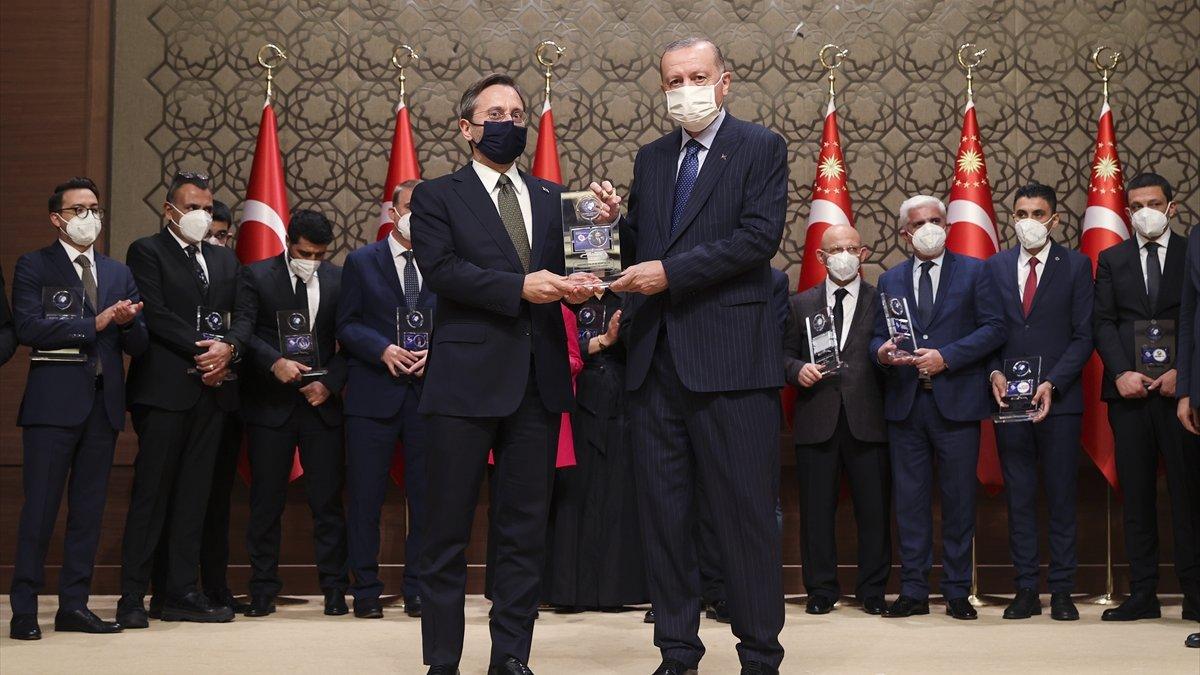 İletişim Başkanı Fahrettin Altun'a Yılın İletişim Ödülü