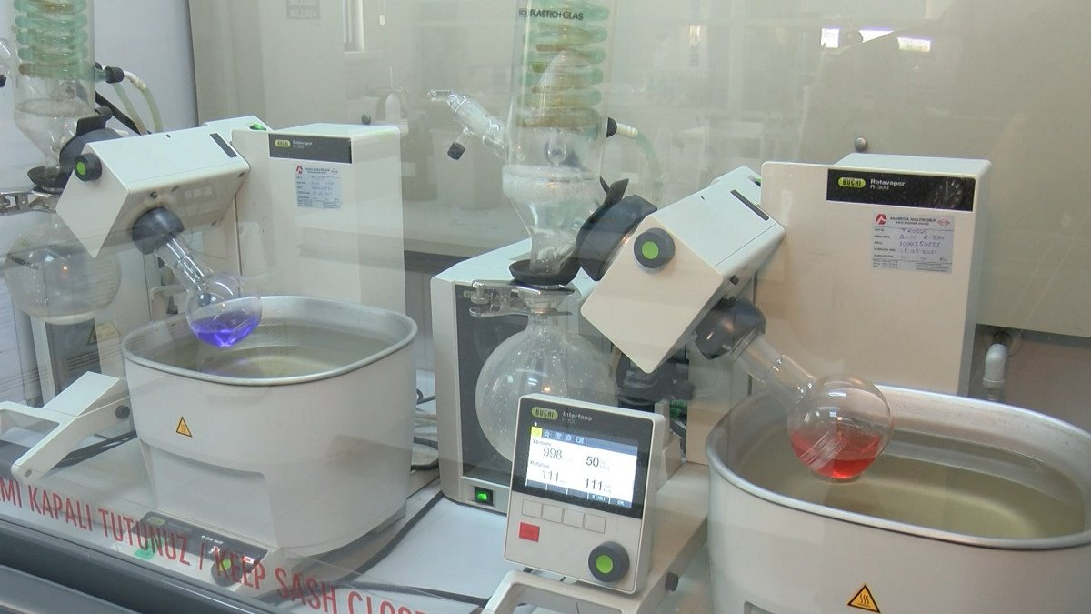 İstanbul da satılacak kırtasiye ürünleri laboratuvarda test ediliyor #2