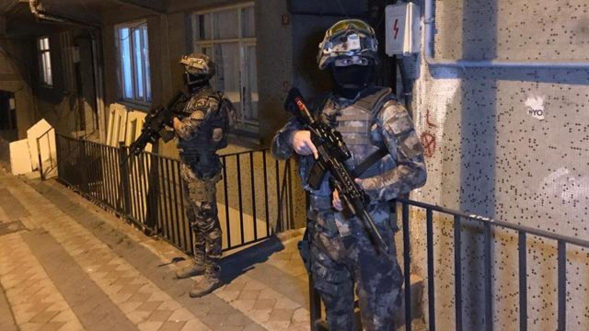 İstanbul'da terör örgütü DHKP/C'ye operasyon: 8 gözaltı #1