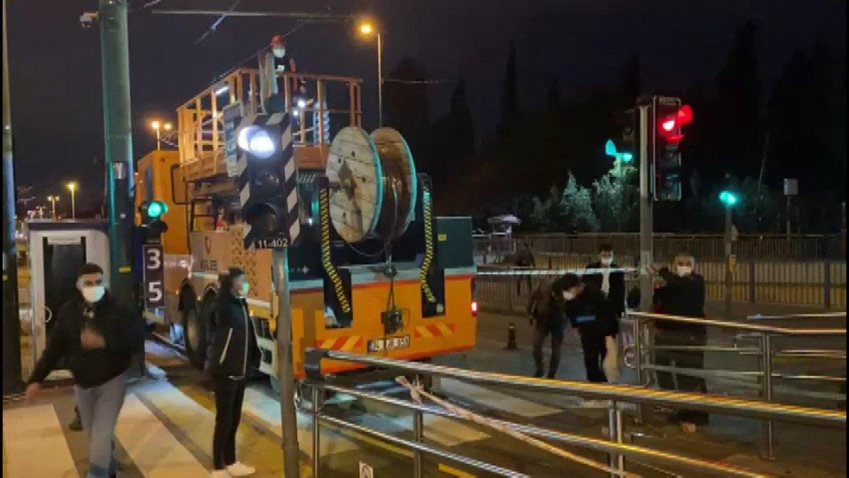 İstanbul da tramvay elektrik kablolarında arıza: Şehitlik Durağı kapatıldı #2