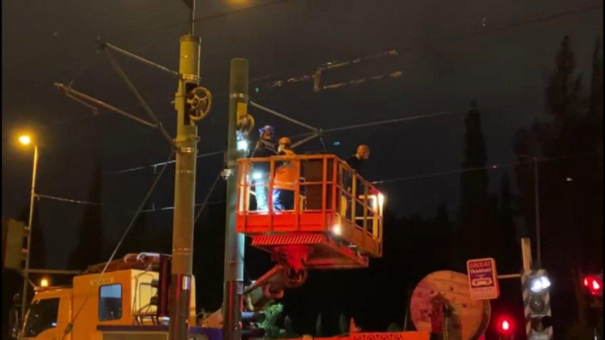 İstanbul da tramvay elektrik kablolarında arıza: Şehitlik Durağı kapatıldı #4