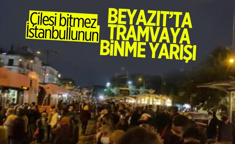 İstanbulların iş çıkışı toplu taşıma çilesi