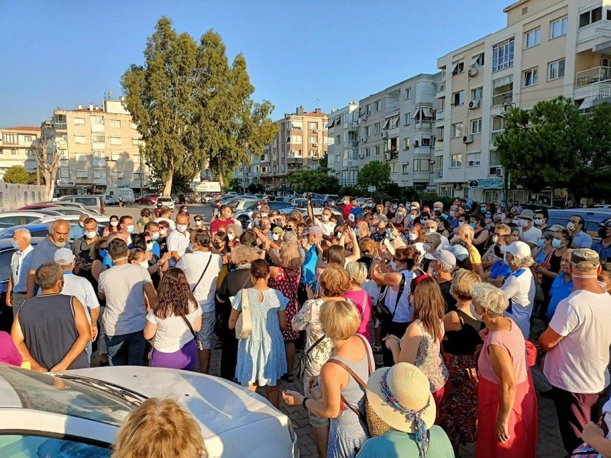 İzmir de mültecilere karşı olan kadınlardan eylem #2