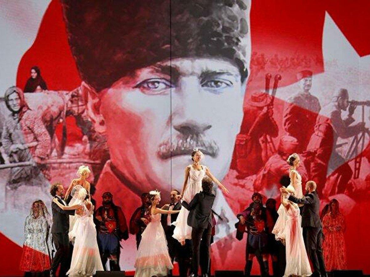 İzmir'in düşman işgalinden kurtuluşuna vals ile kutlama #12