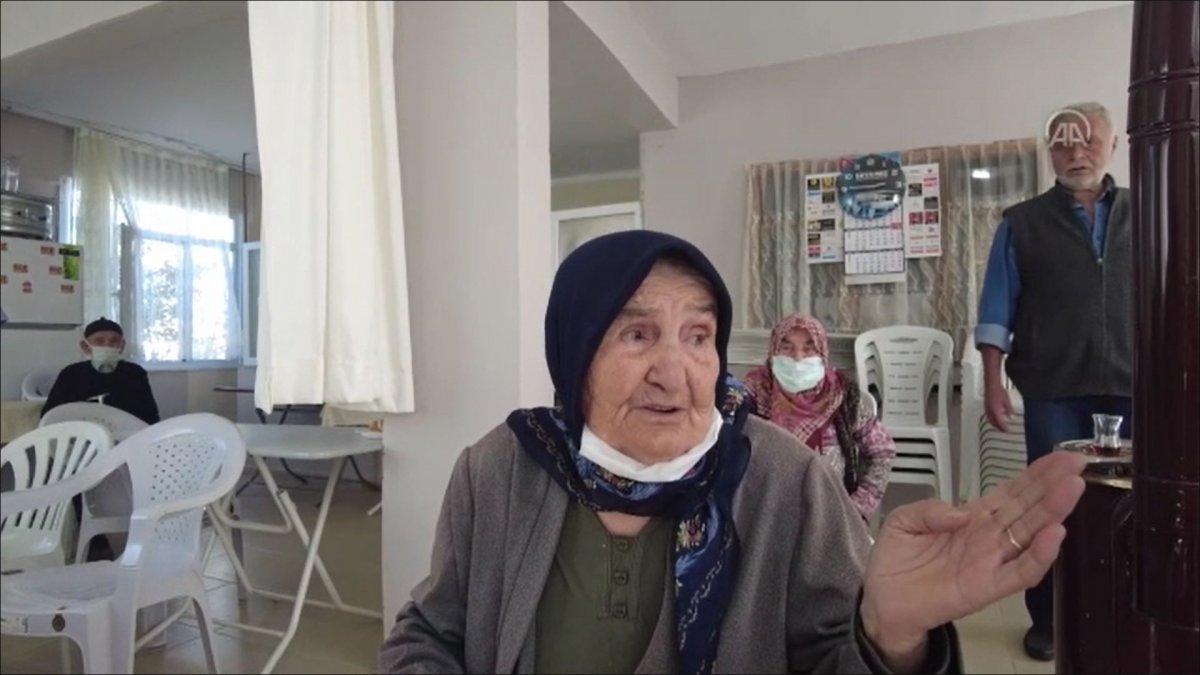 Karabük'te hasta ve yaşlılar için 'evde nüfus cüzdanı' uygulaması #3