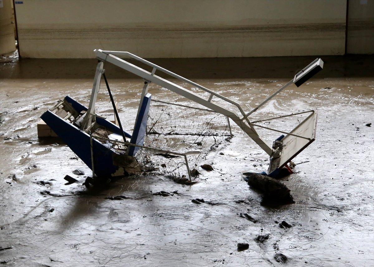 Kastamonu daki sel felaketinde spor tesisleri de zarar gördü #6