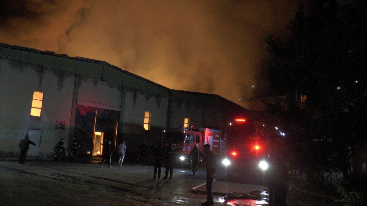 Kayseri'deki yangın çıkan bölgeye çok sayıda ekip sevk edildi