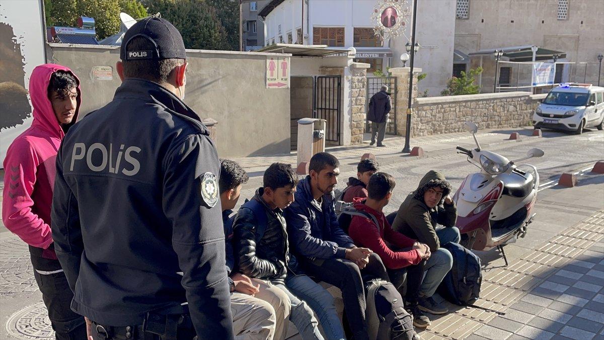 Kırklareli nde 7 düzensiz göçmen yakalandı #1