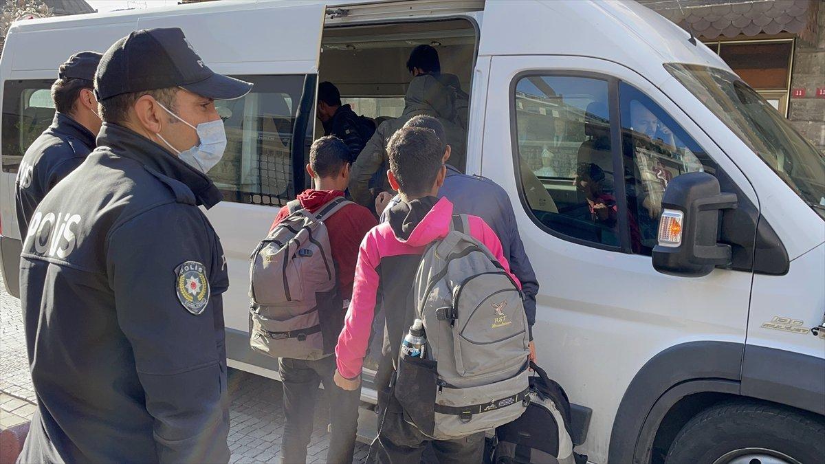 Kırklareli nde 7 düzensiz göçmen yakalandı #2