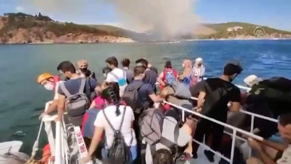 Kıyı Emniyeti, Heybeliada'dan vatandaşları tahliye ediyor