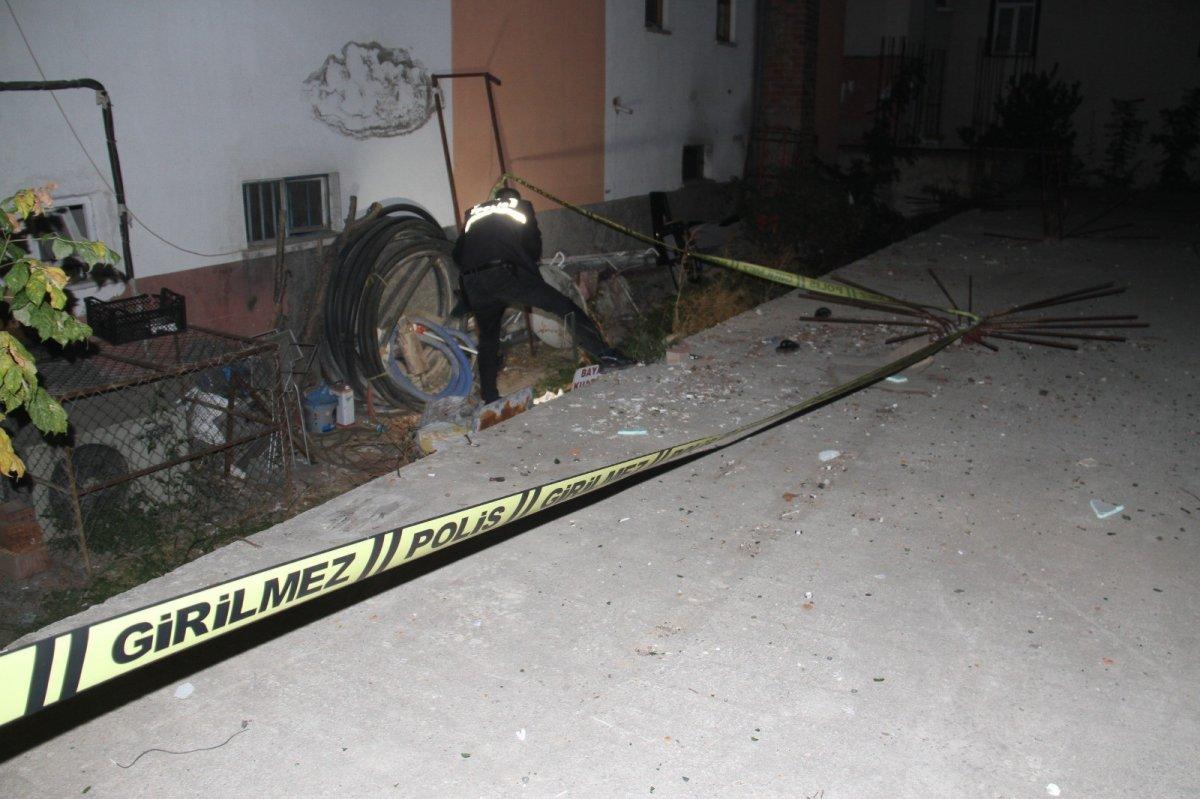 Konya da 5. kattaki balkondan düşen 8 yaşındaki çocuk yaşamını yitirdi #2