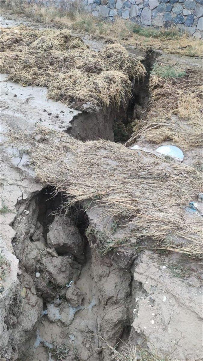 Konya da toprak yüzeyde oluşan yarıkların AFAD raporu yayınlandı #4