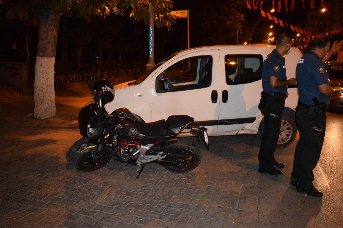 Malatya da otomobil ile motosiklet çarpıştı #1