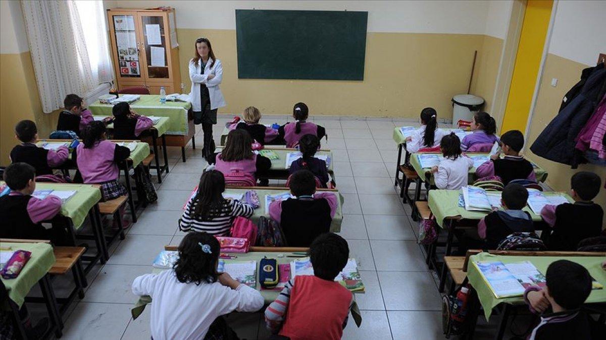 MEB, öğretmenlerin mazeret atamalarının yapılacağını duyurdu #2