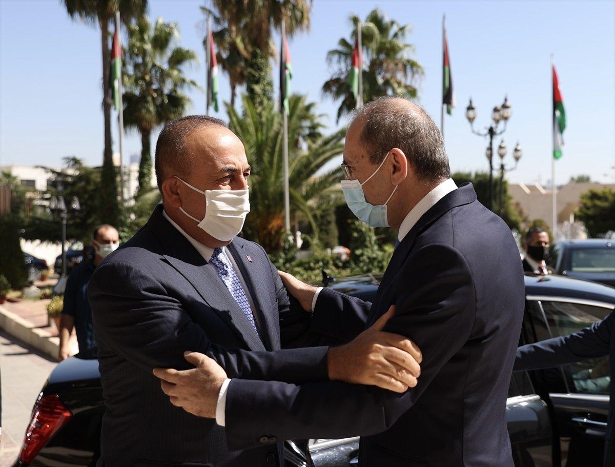 Mevlüt Çavuşoğlu: Suriyeli göçmenlerin dönmesi için çaba sarf etmeliyiz #3