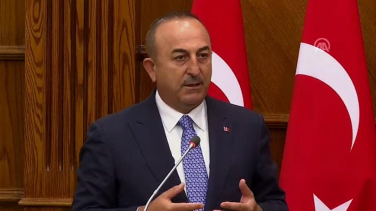 Mevlüt Çavuşoğlu: Suriyeli göçmenlerin dönmesi için çaba sarf etmeliyiz