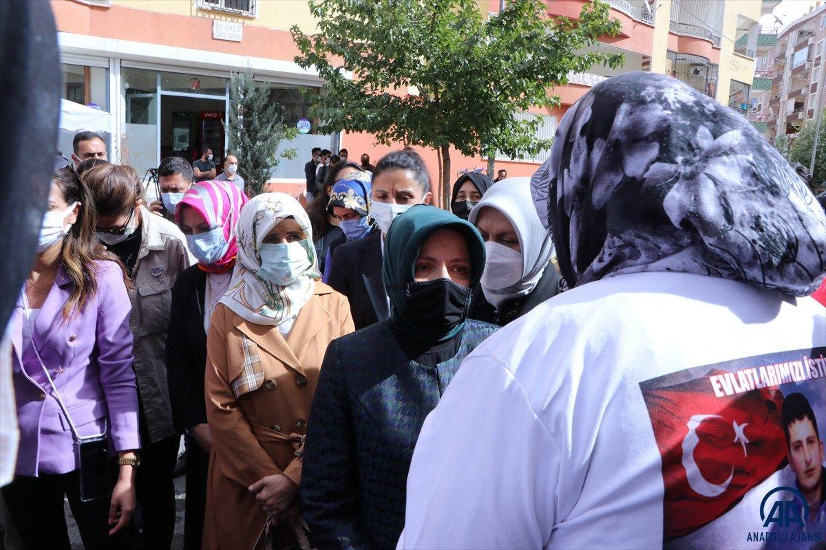 Mustafa Şentop un eşi Sabriye Şentop tan Diyarbakır annelerine ziyaret #3