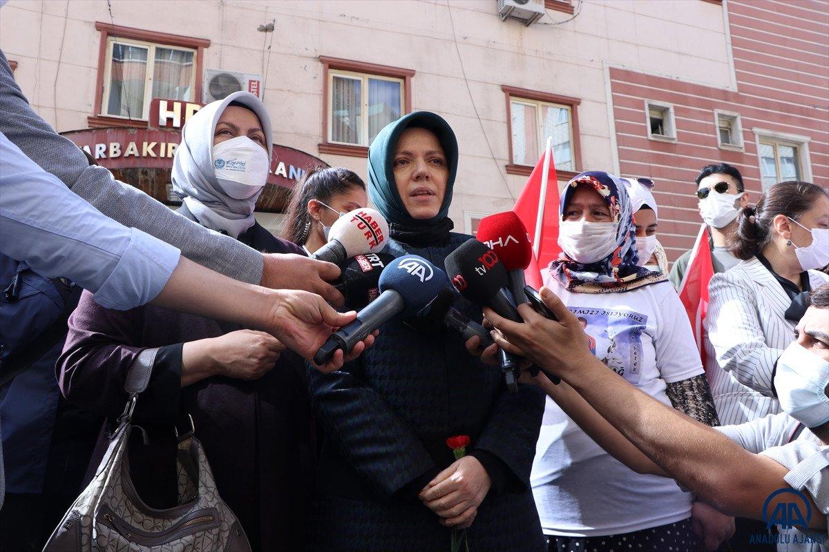 Mustafa Şentop un eşi Sabriye Şentop tan Diyarbakır annelerine ziyaret #5