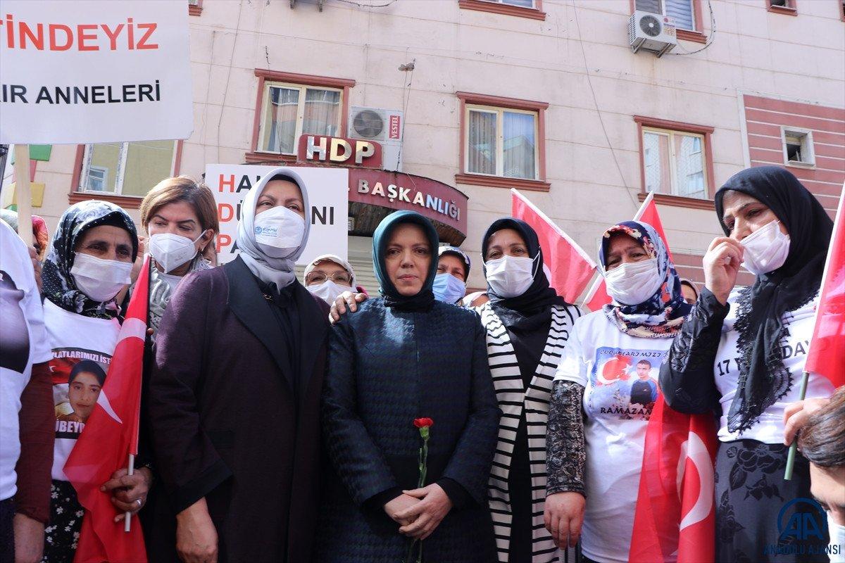Mustafa Şentop un eşi Sabriye Şentop tan Diyarbakır annelerine ziyaret #6