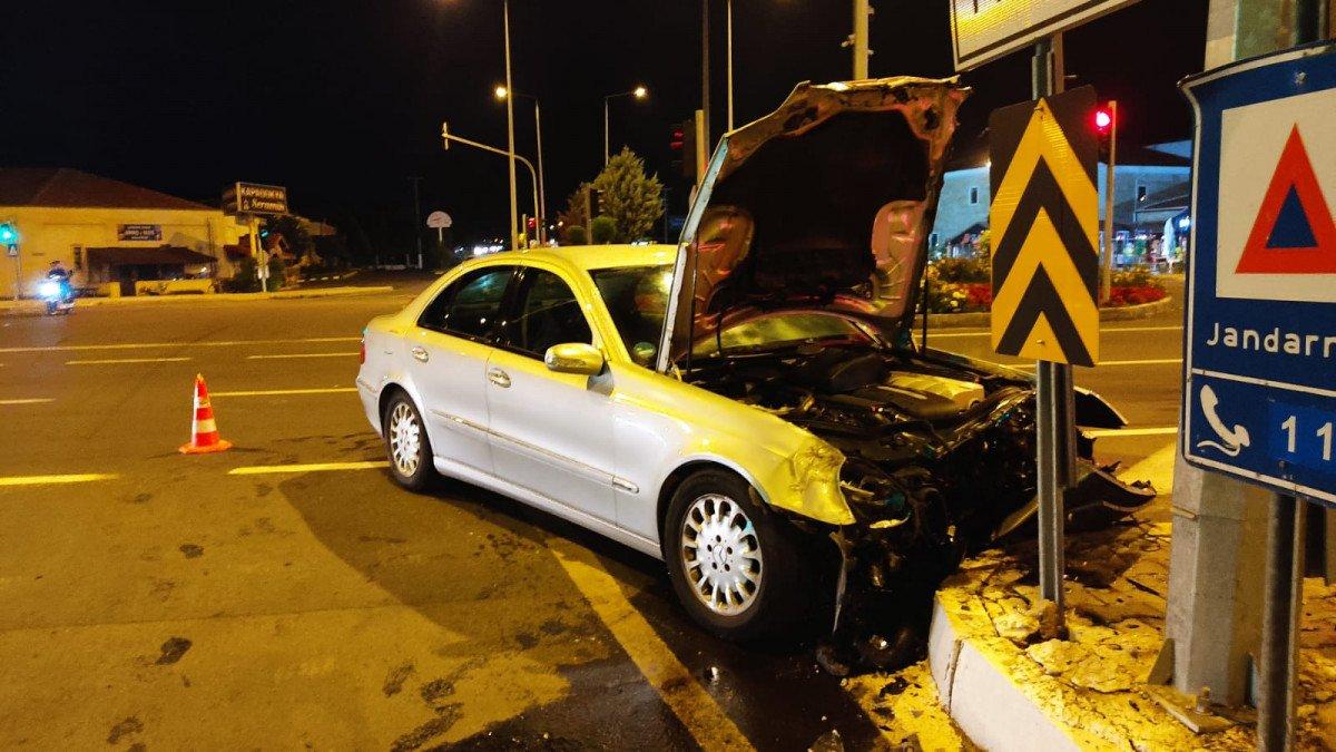 Nevşehir de yaralı taşıyan ambulans otomobil ile çarpıştı #2