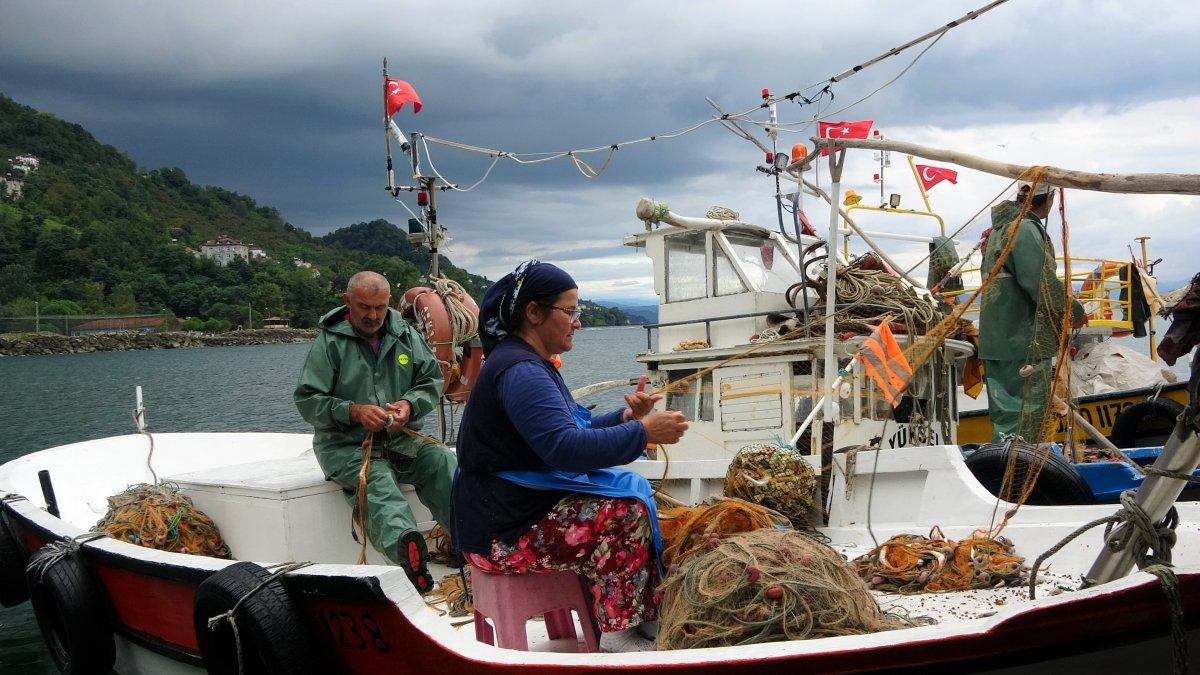 Ordu'da eşlerine yardım eden kadın balıkçılar #4