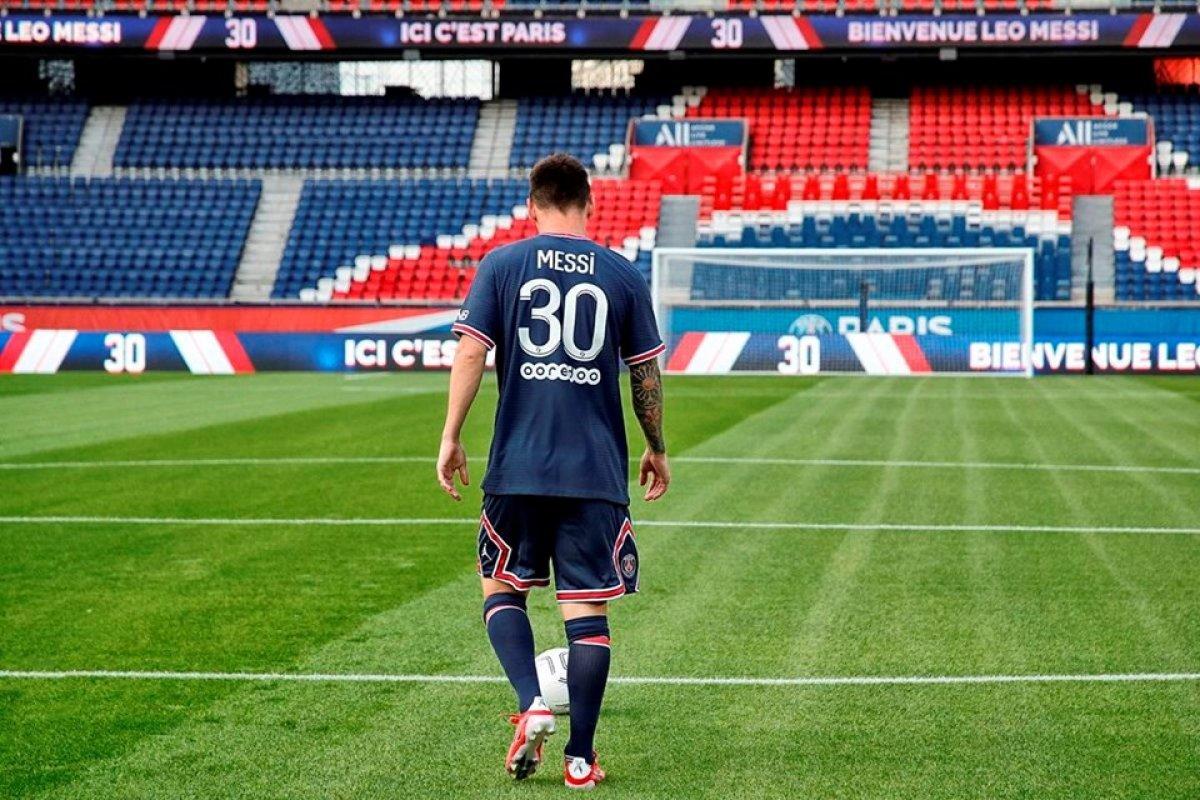 PSG de Lionel Messi forması bir milyondan fazla satıldı #1