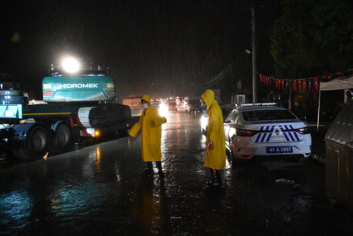 Sel felaketinin yaşandığı Kastamonu Bozkurt ta sağanak yağış #6