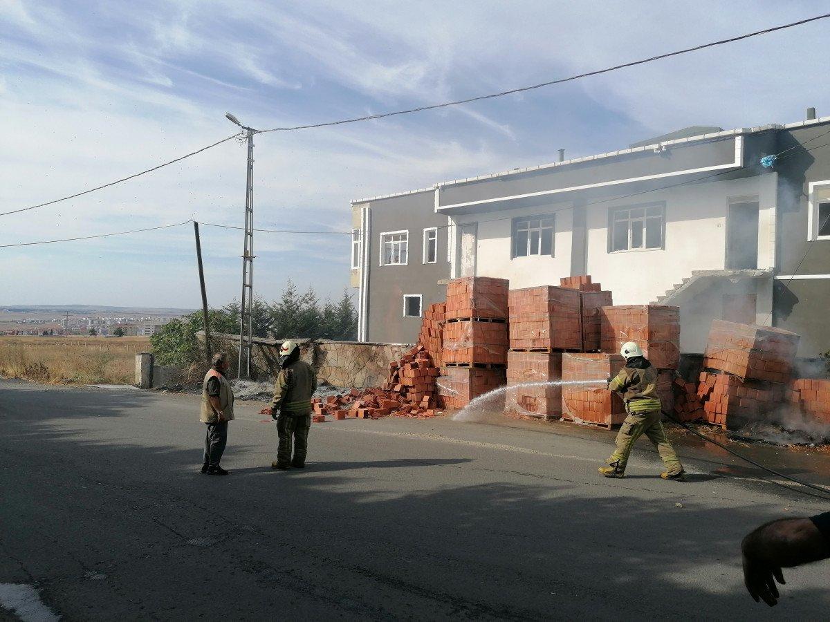 Silivri de doğalgaz kutusu yandı #2