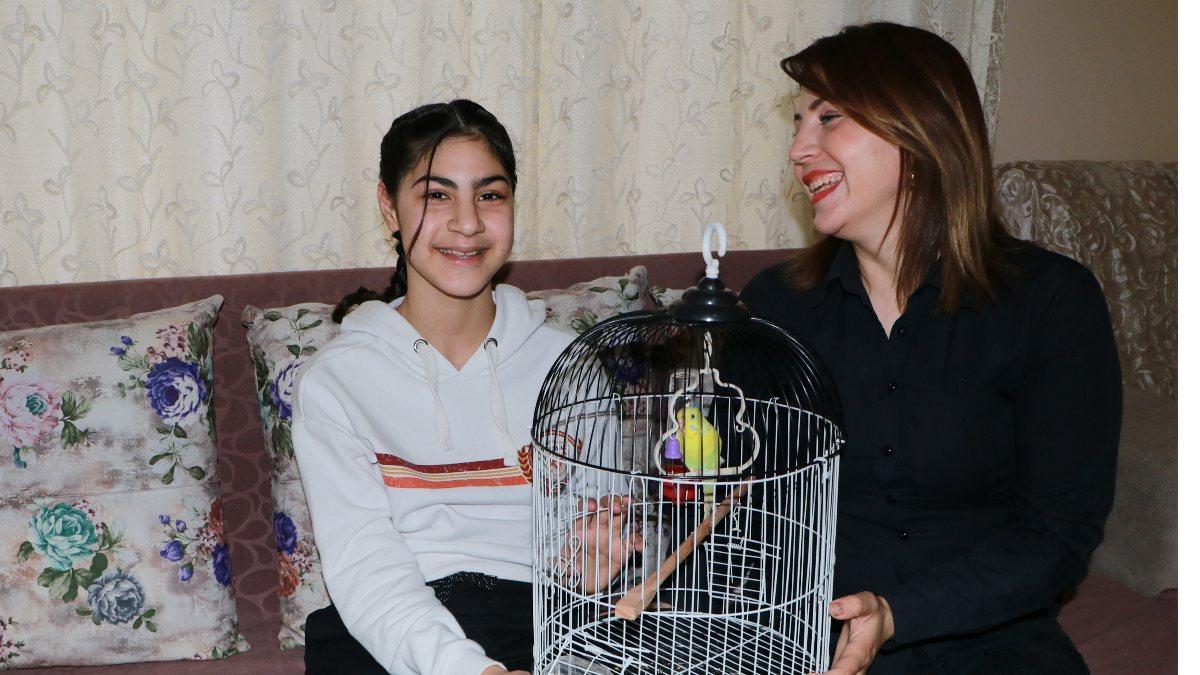 Adana'da yemeden içmeden kesilen Irmak, kuşunu buldu
