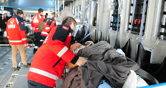 Bakan Koca: 'Toplam 17 hastanın 10 tanesini Türkiye'ye getirmiş olduk'