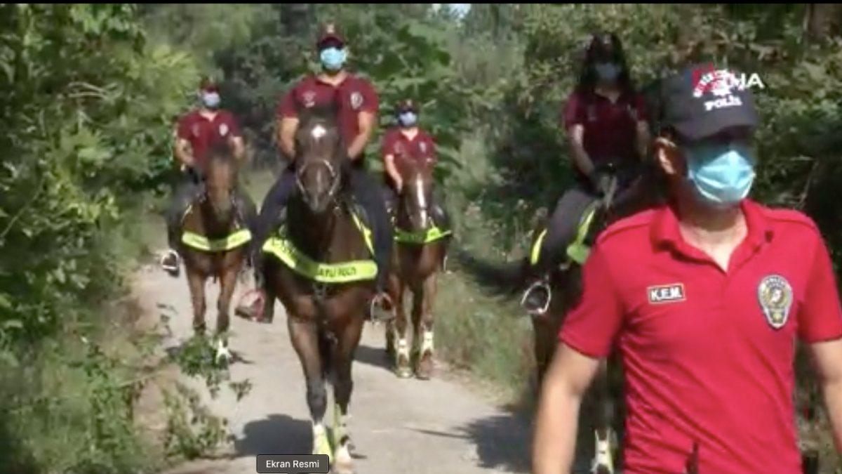 Çekmeköy'de atlı ekipler, yangına karşı orman denetimi yaptı