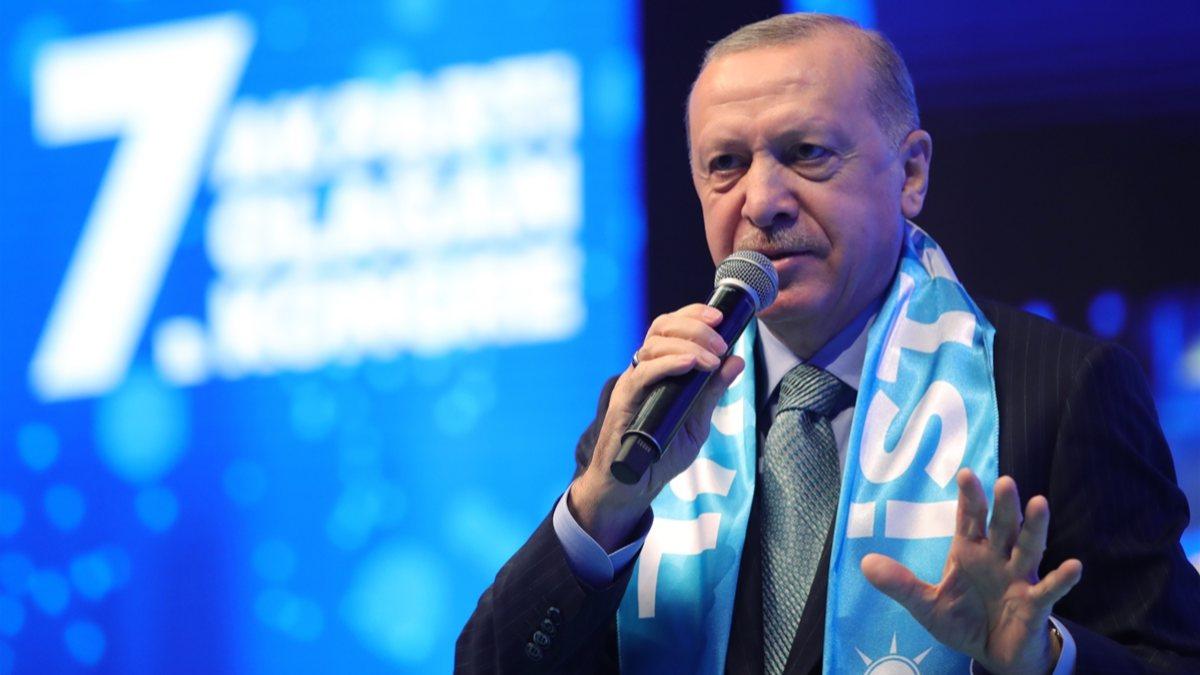 Cumhurbaşkanı Erdoğan'dan İmamoğlu'na: İstanbul batak içinde, onlar tatilde