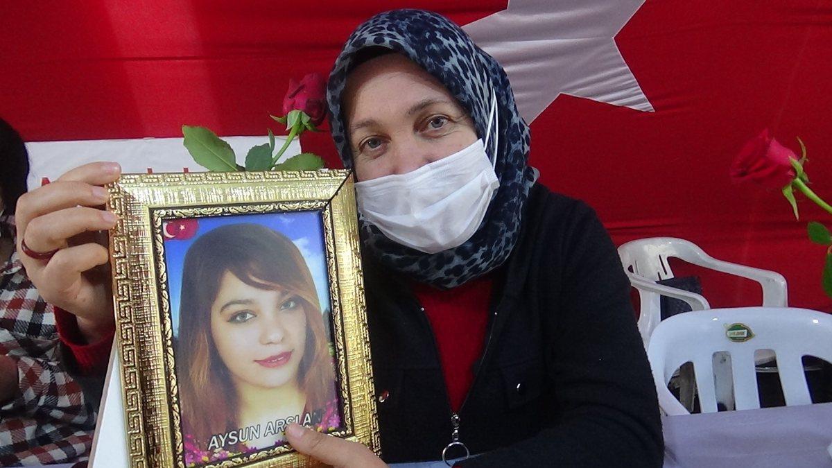 Evlat nöbetindeki anne: Kızımı HDP'den istiyorum