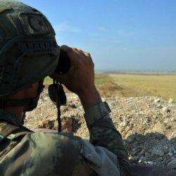 Fırat Kalkanı bölgesinde 2 terörist yakalandı