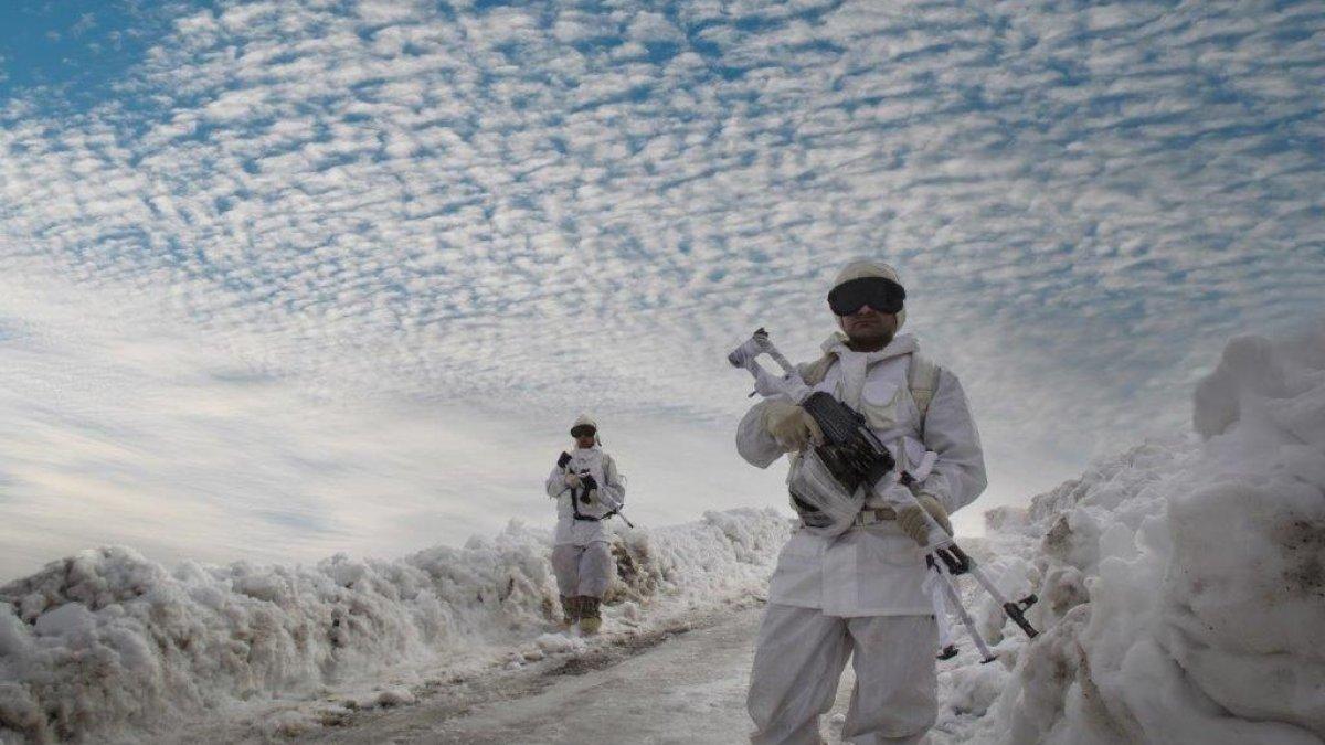 Kahraman komandolar Şırnak'ta terörle mücadeleyi sürdürüyor
