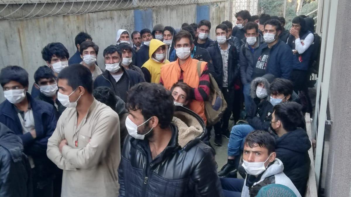 Kocaeli'de 90 kaçak göçmen polis operasyonunda yakalandı