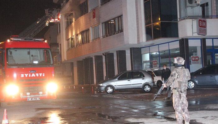 Konya'da hareketli dakikalar! Annesini rehin alıp, evi ateşe verdi