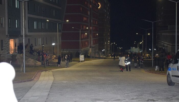 Malatya'da deprem söylentisi öğrencileri sokağa döktü