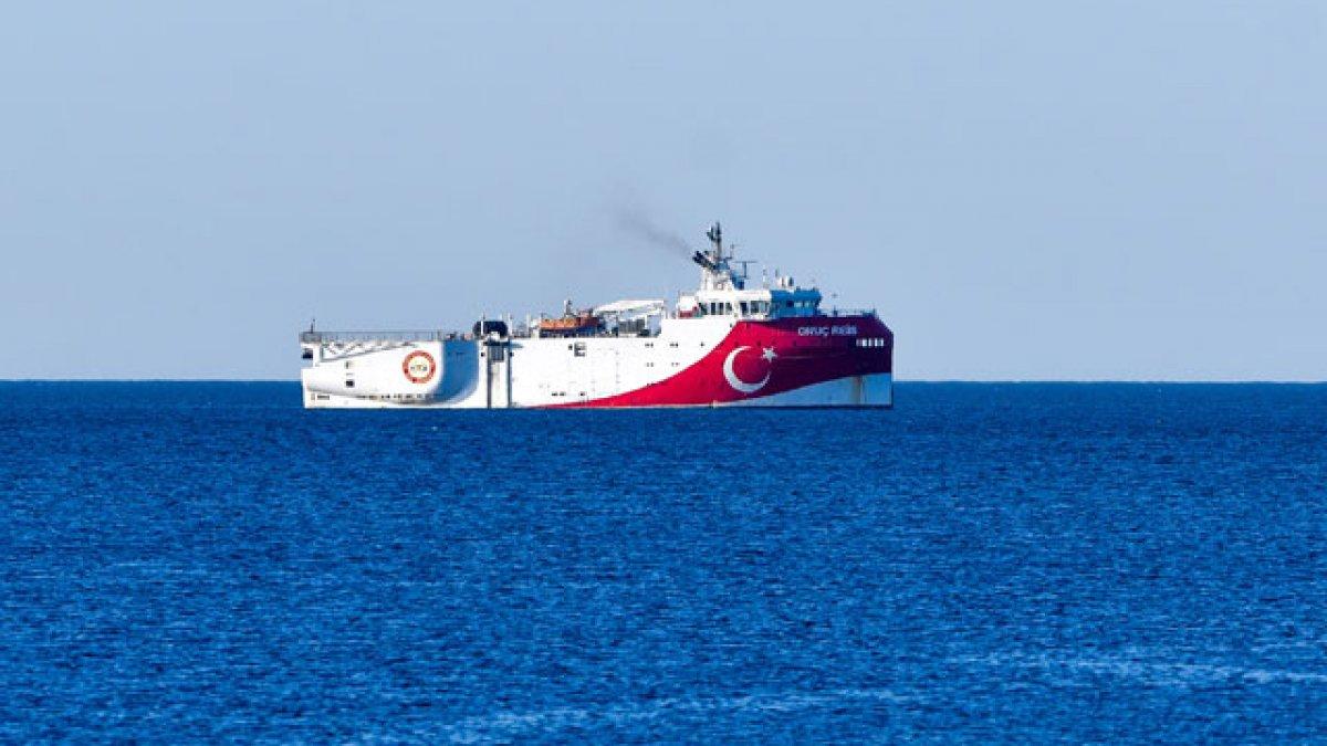 Oruç Reis Antalya Limanı'ndan ayrıldı,...