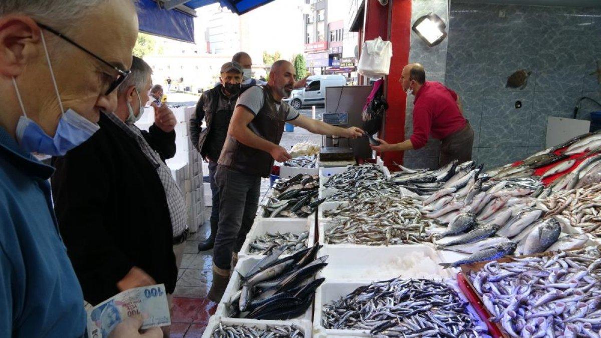 Samsun'da son zamanların en bereketli balık sezonu yaşanıyor