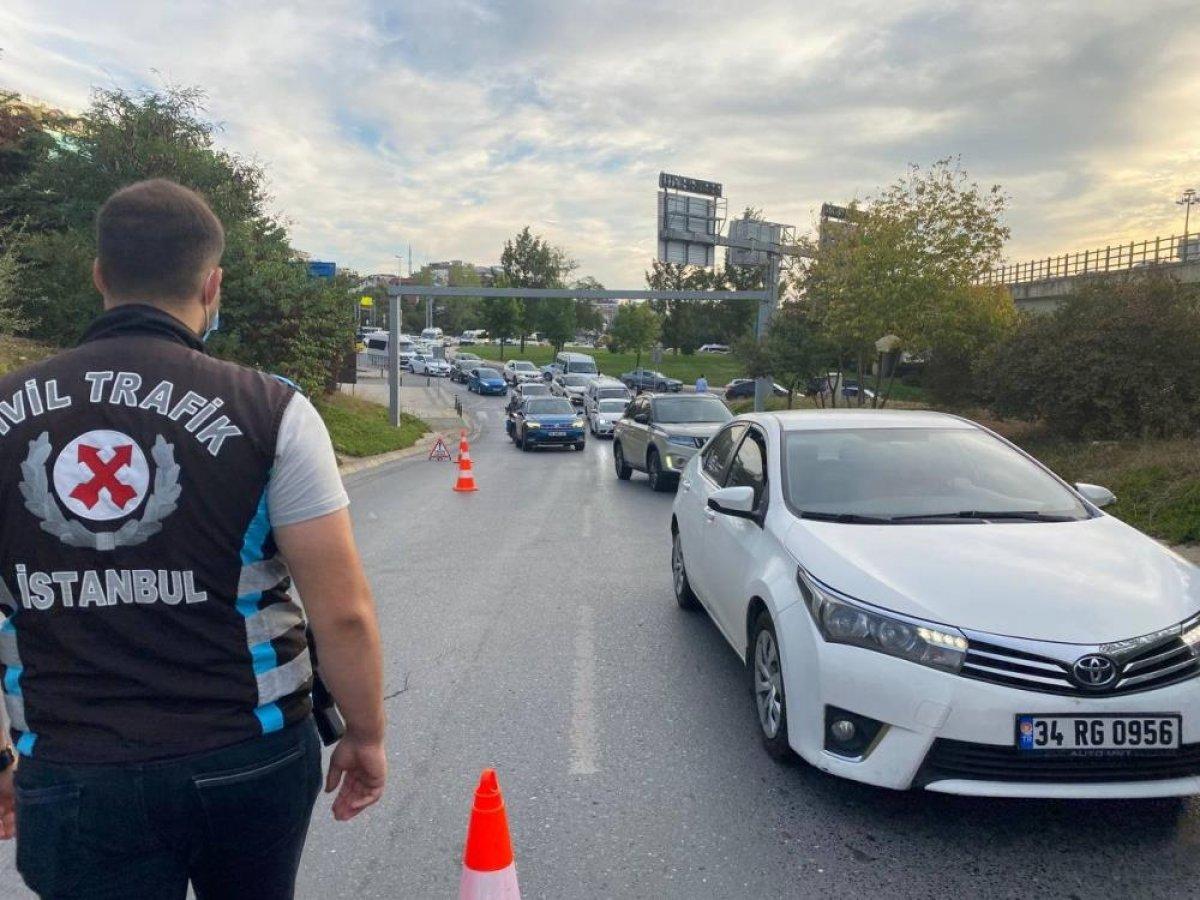 Üsküdar'da trafik ekiplerinden okul servislerine denetim #2
