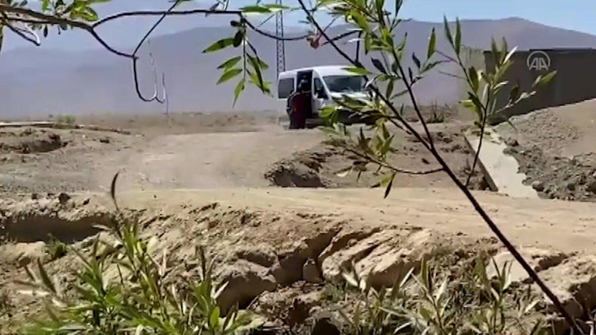 Van da 14 kişilik minibüsten 71 kaçak göçmen çıktı #1
