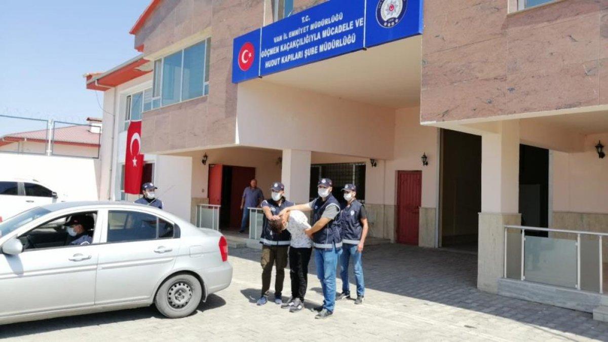 Van'da eş zamanlı operasyon düzenlendi: 36 düzensiz göçmen, 2 organizatör yakalandı #2