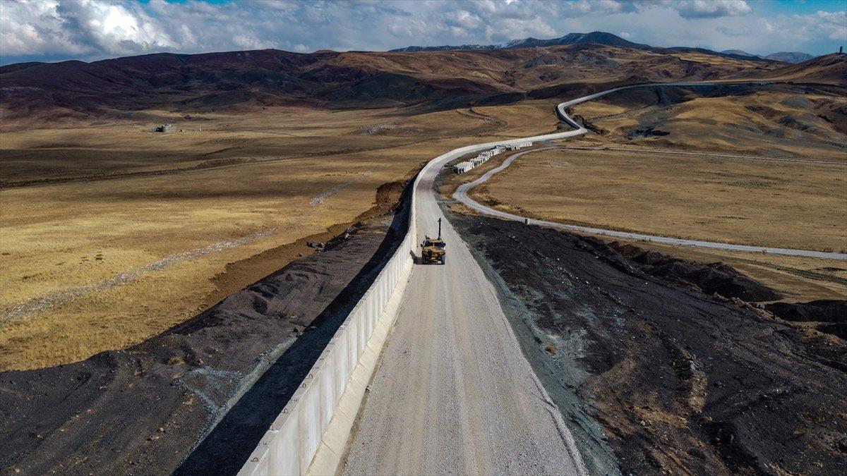 Van ile İran sınırına yapılan güvenlik duvarı, 20 kilometreye ulaştı #11