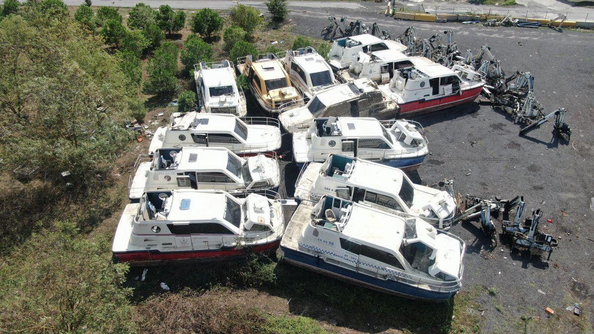 Yeni deniz taksileri suya inerken, eskileri kaderine terk edildi #1