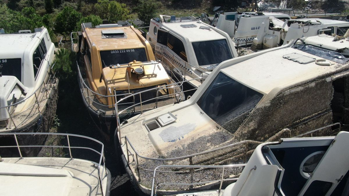 Yeni deniz taksileri suya inerken, eskileri kaderine terk edildi #5
