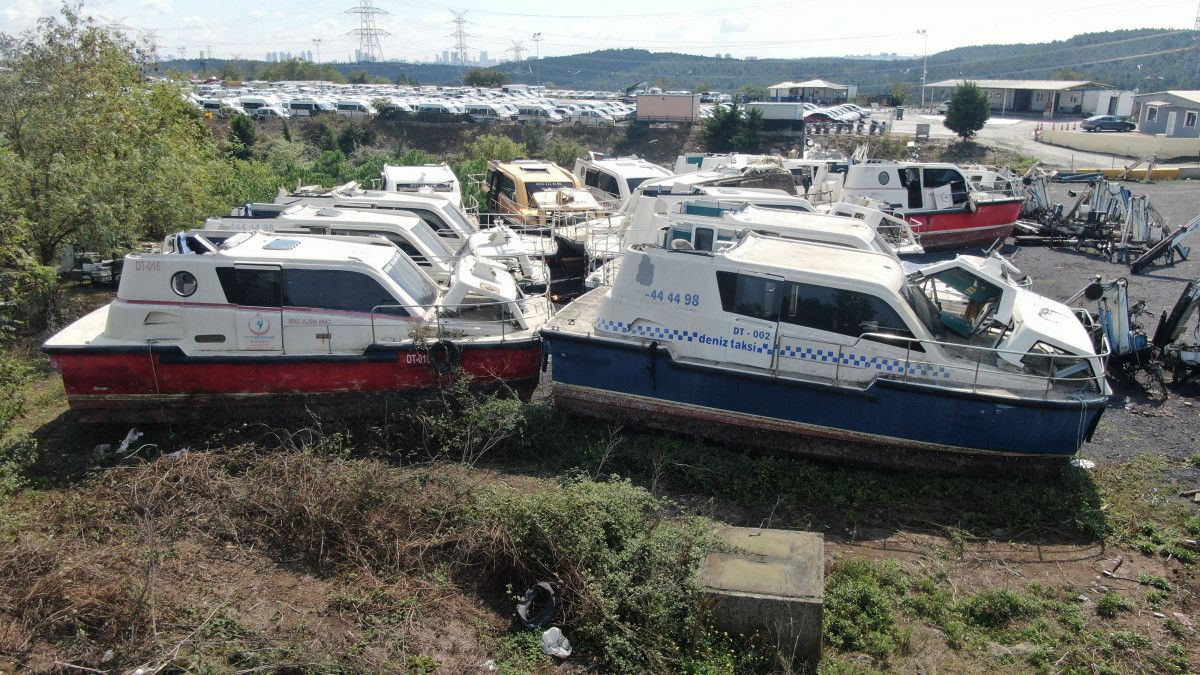 Yeni deniz taksileri suya inerken, eskileri kaderine terk edildi #7
